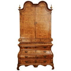 Early 18th Century Walnut Cabinet on Chest