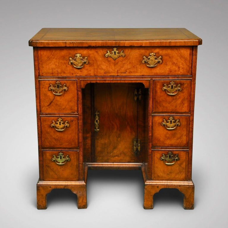 Early 18th Century Walnut Secretaire Kneehole Desk In Good Condition For Sale In Lincolnshire, GB