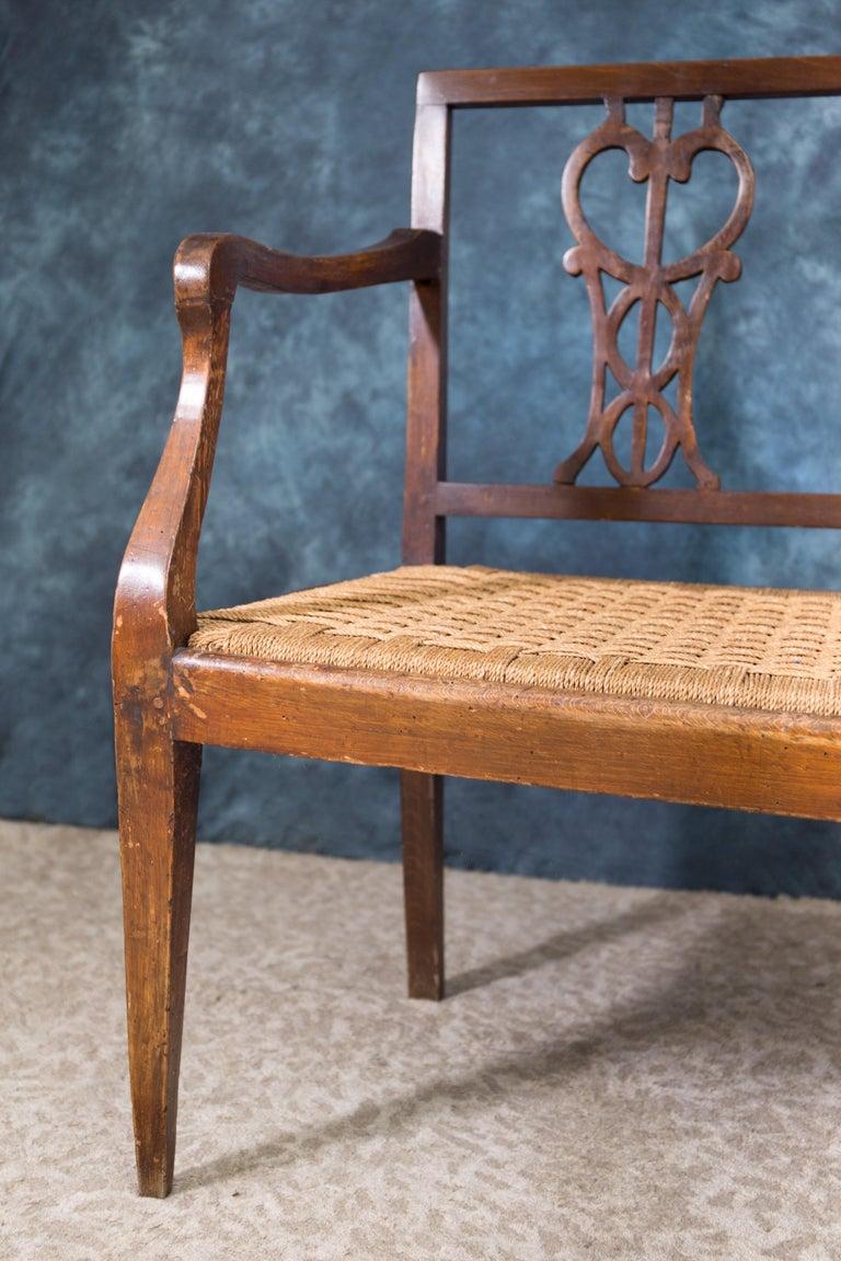 Italian Early 18th Century Walnut Sofa with Straw Seat Louis XVI Tuscany, 1750 For Sale