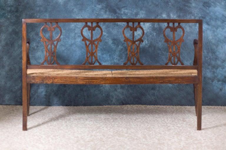 Early 18th Century Walnut Sofa with Straw Seat Louis XVI Tuscany, 1750 For Sale 2
