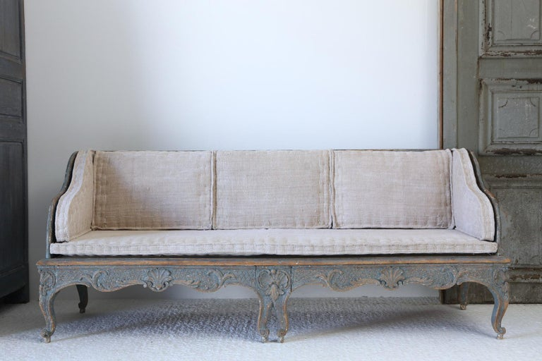 Early 18th Century Swedish Carved Sofa with Original Paintwork For Sale 1