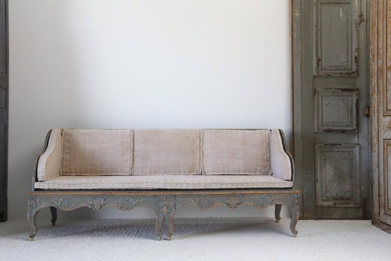 Early 18th Century Swedish Carved Sofa with Original Paintwork For Sale 3