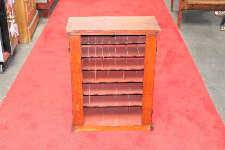 Early 1900s Diamond Dyes Lithograph Display Cabinet For Sale 6