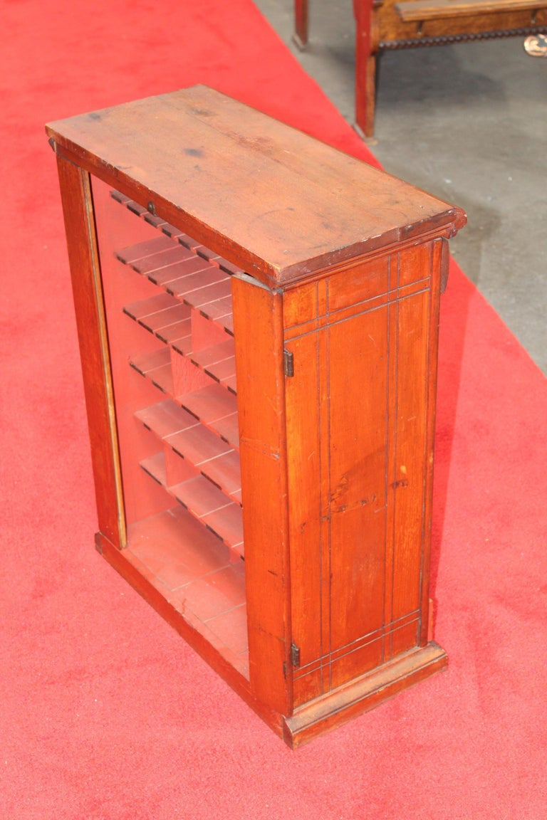 Early 1900s Diamond Dyes Lithograph Display Cabinet For Sale 8