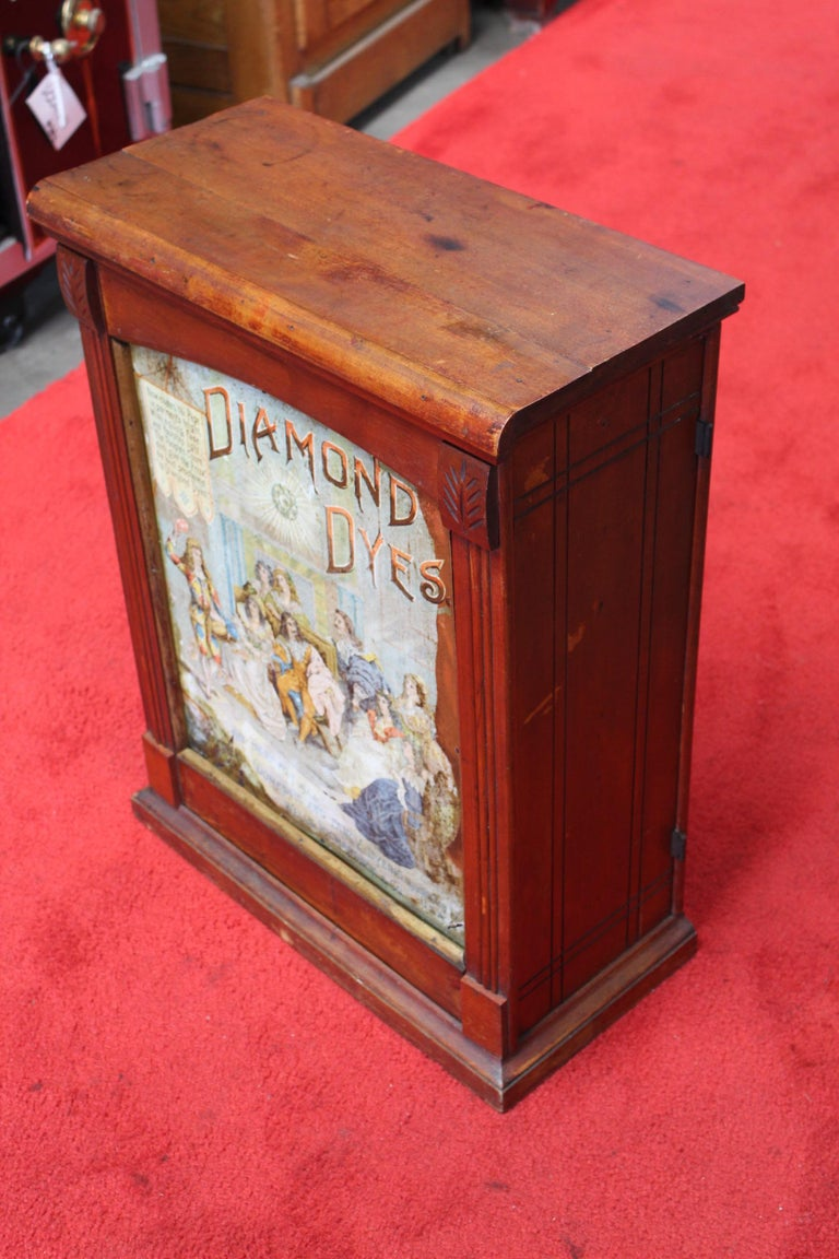 Early 1900s Diamond Dyes Lithograph Display Cabinet For Sale 4