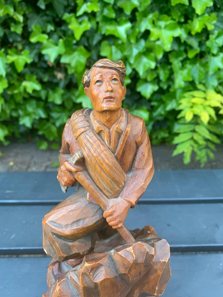 Early 1900s Hand Carved and Colored Wooden Mountaineer Sculpture / Statue In Excellent Condition For Sale In Lisse, NL