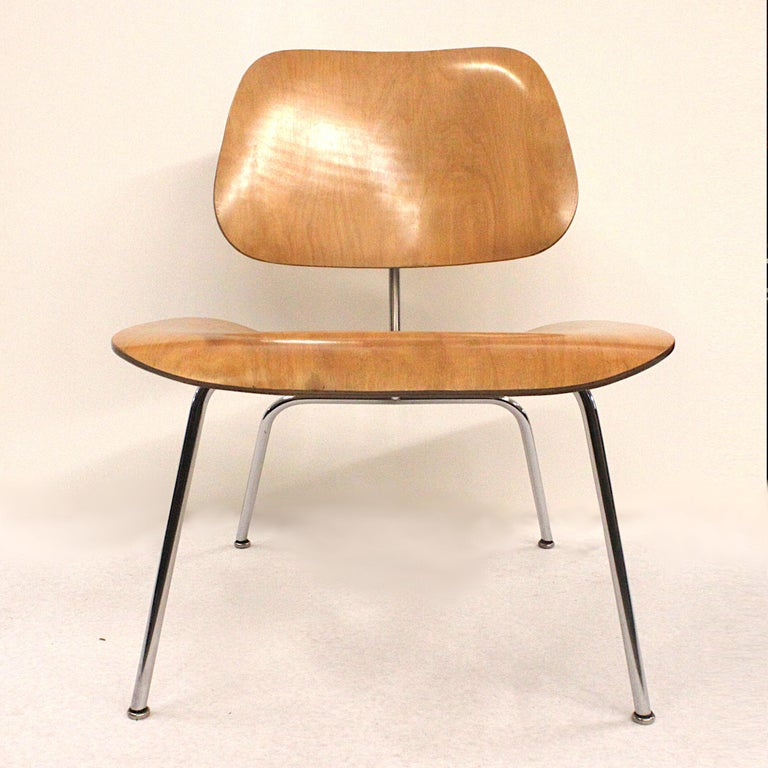 Laminated Early 1950s Mid-Century Modern Eames LCM Birch Lounge Chair by Herman Miller For Sale