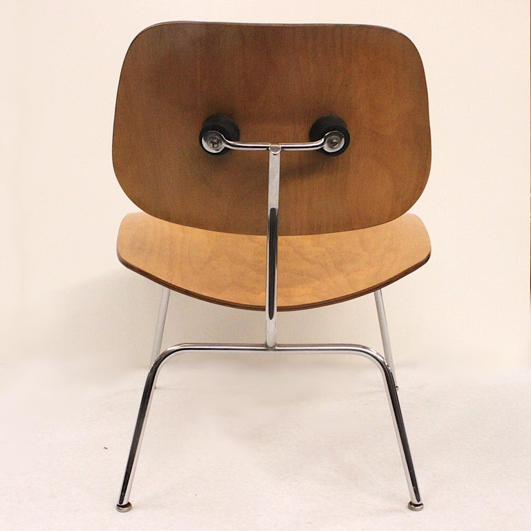 Early 1950s Mid-Century Modern Eames LCM Birch Lounge Chair by Herman Miller In Excellent Condition For Sale In Lafayette, IN