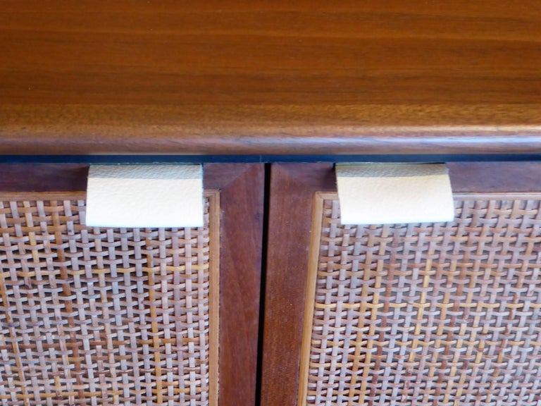 Early 1960s Founders Furniture Florence Knoll Style Walnut Credenza For Sale 5