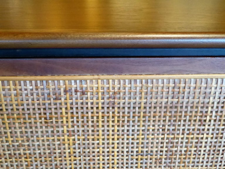 Early 1960s Founders Furniture Florence Knoll Style Walnut Credenza For Sale 6