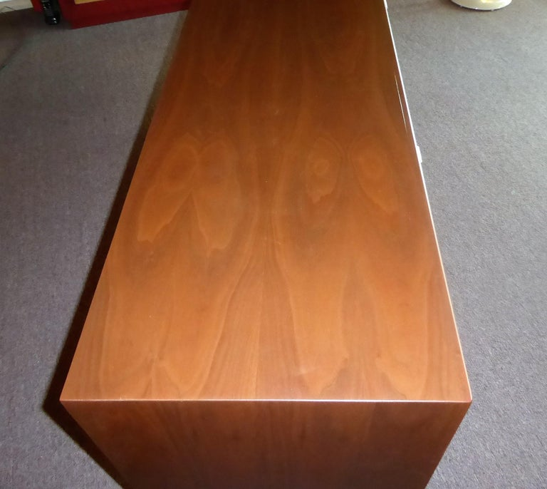 Early 1960s Founders Furniture Florence Knoll Style Walnut Credenza For Sale 7