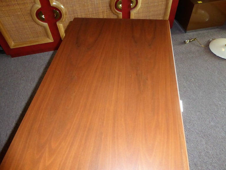 Early 1960s Founders Furniture Florence Knoll Style Walnut Credenza For Sale 9