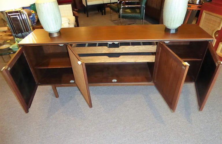 Early 1960s Founders Furniture Florence Knoll Style Walnut Credenza In Good Condition For Sale In Miami, FL