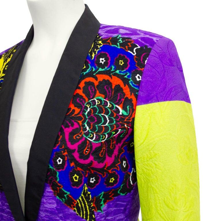 Early 1990s Gianni Versace Baroque Colour Block Tuxedo Jacket In Good Condition For Sale In Toronto, Ontario