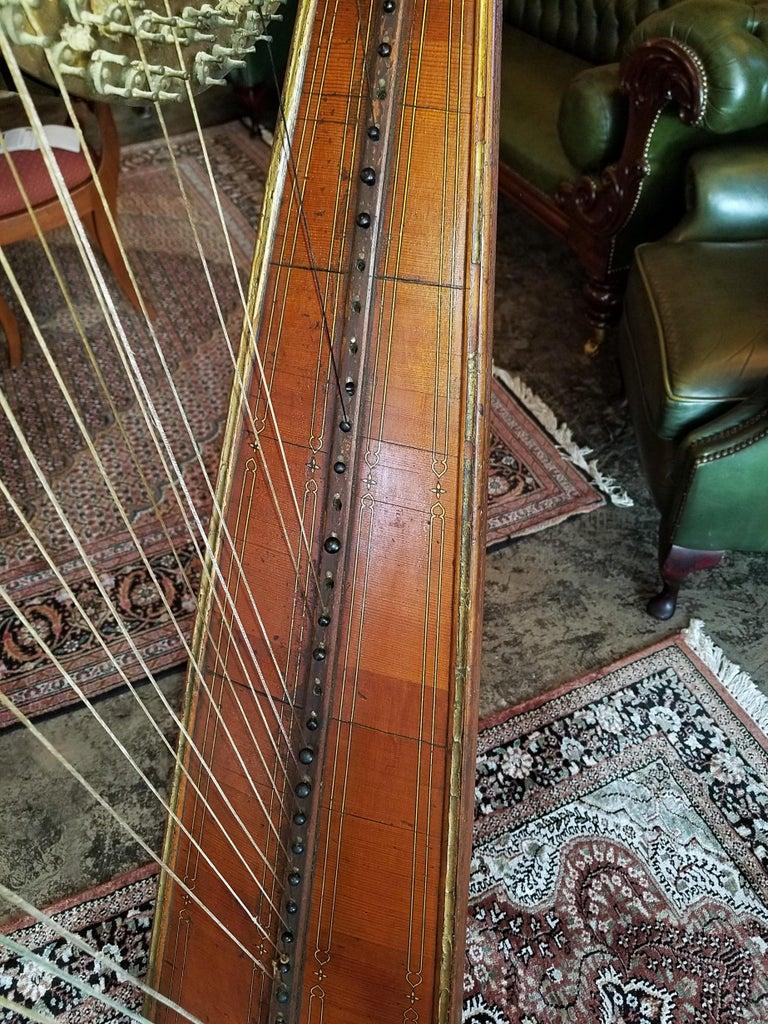 Mid 19th Century T. Dodd & Sons London Harp In Fair Condition For Sale In Dallas, TX