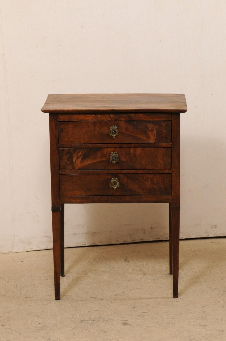 French 3-Drawer Side-Chest Nicely Raised on Tapering Squared Legs For Sale 6