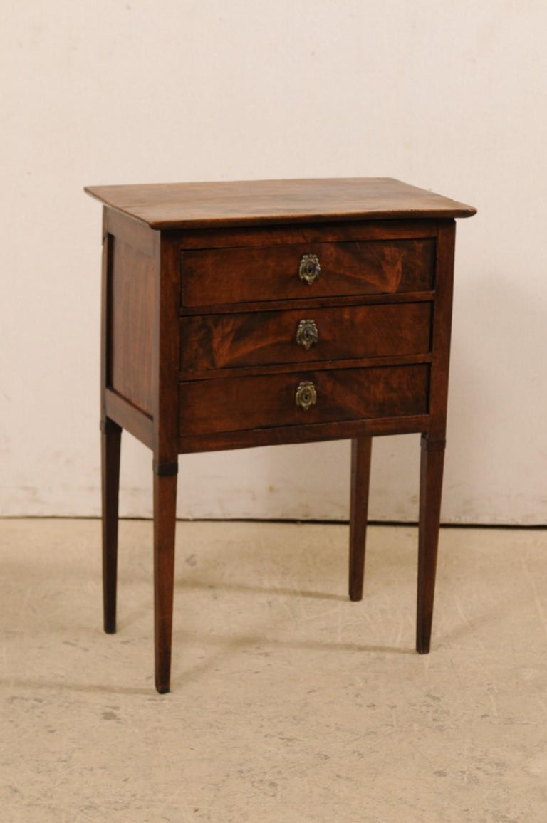 French 3-Drawer Side-Chest Nicely Raised on Tapering Squared Legs For Sale 1