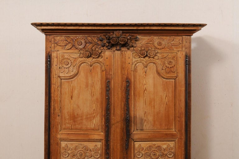 Wood French Buffet à Deux-Corps Adorn with Beautifully Carved Florals For Sale
