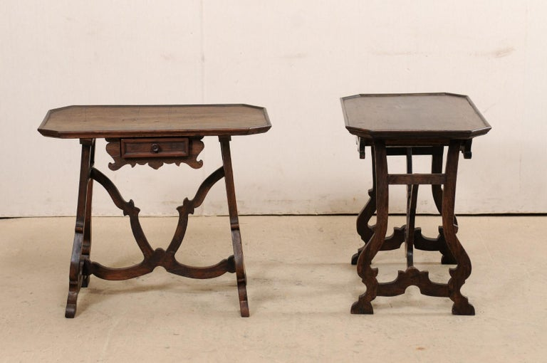 Early 19th C Italian Pair Walnut Side Tables with Lrye-Legs and Single Drawer In Good Condition For Sale In Atlanta, GA