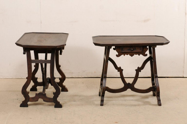Early 19th C Italian Pair Walnut Side Tables with Lrye-Legs and Single Drawer For Sale 5
