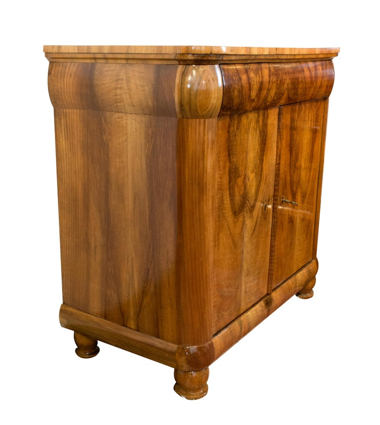 Polished Early 19th Century Biedermeier Walnut Half Cabinet For Sale