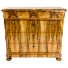 Early 19th Century Biedermeier Walnut Chest of Drawers or Commode