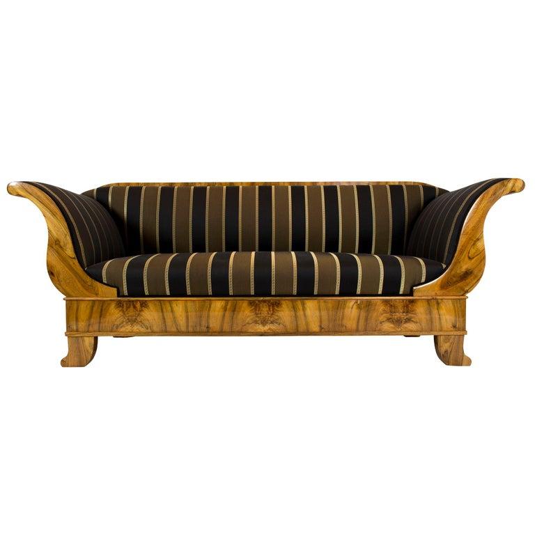 Polished Early 19th Century Biedermeier Walnut Sofa from Germany For Sale