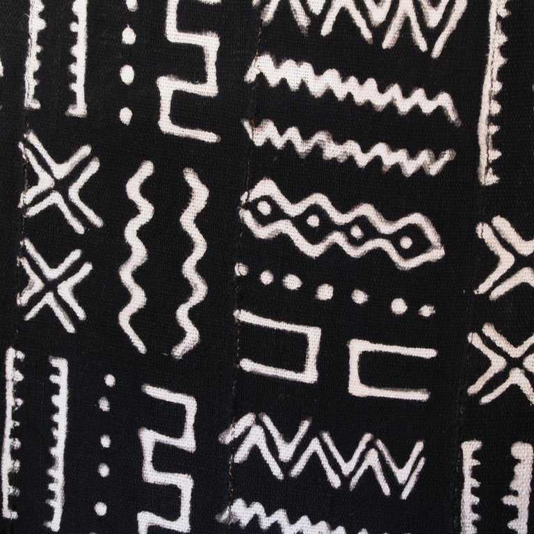 Early 19th Century Black and Gilded Armchair Black and White Ethnic Fabric For Sale 6
