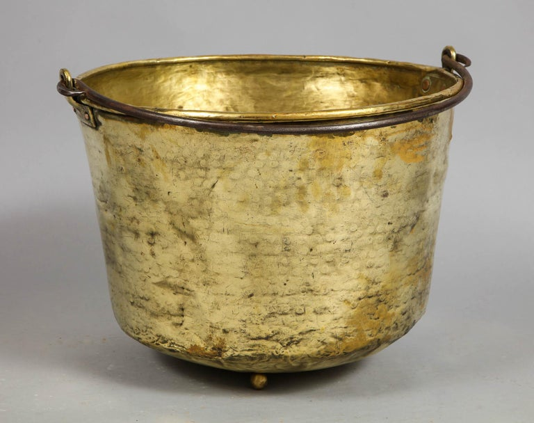 Early 19th Century Brass Log Bin In Good Condition For Sale In New York, NY