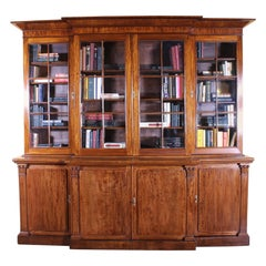 Early 19th Century Breakfront Bookcase From England In Mahogany