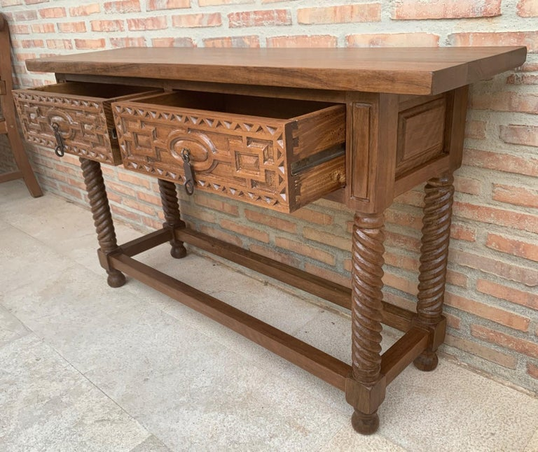 Early 19th Century Carved Walnut Wood Catalan Spanish Console Table In Good Condition For Sale In Miami, FL