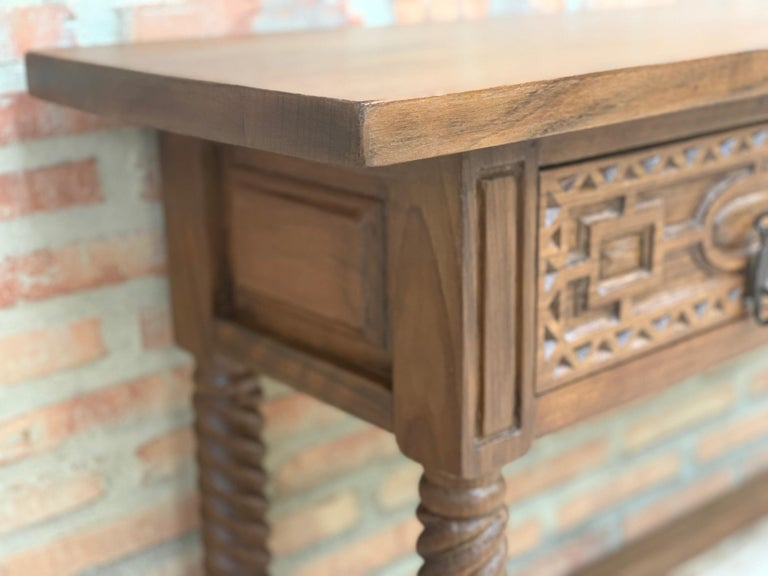 Early 19th Century Carved Walnut Wood Catalan Spanish Console Table For Sale 2