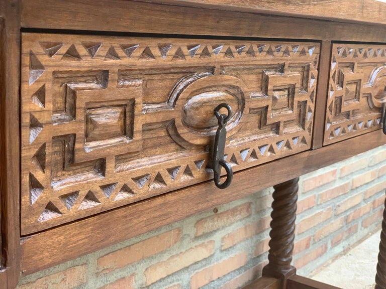 Early 19th Century Carved Walnut Wood Catalan Spanish Console Table For Sale 4