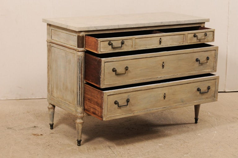Early 19th C. French Neoclassical Commode with Fossilized Limestone Top For Sale 1