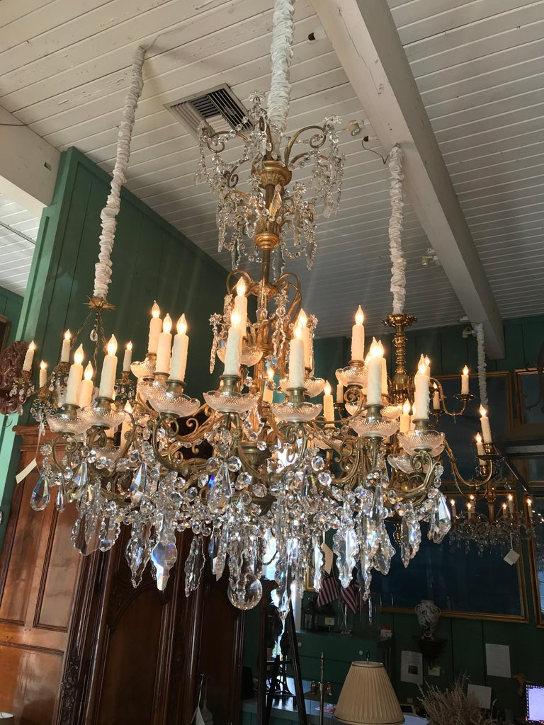 19th C. Charles X  32-Light Crystal Chandelier ceiling light pendant antique LA In Good Condition For Sale In West Hollywood, CA