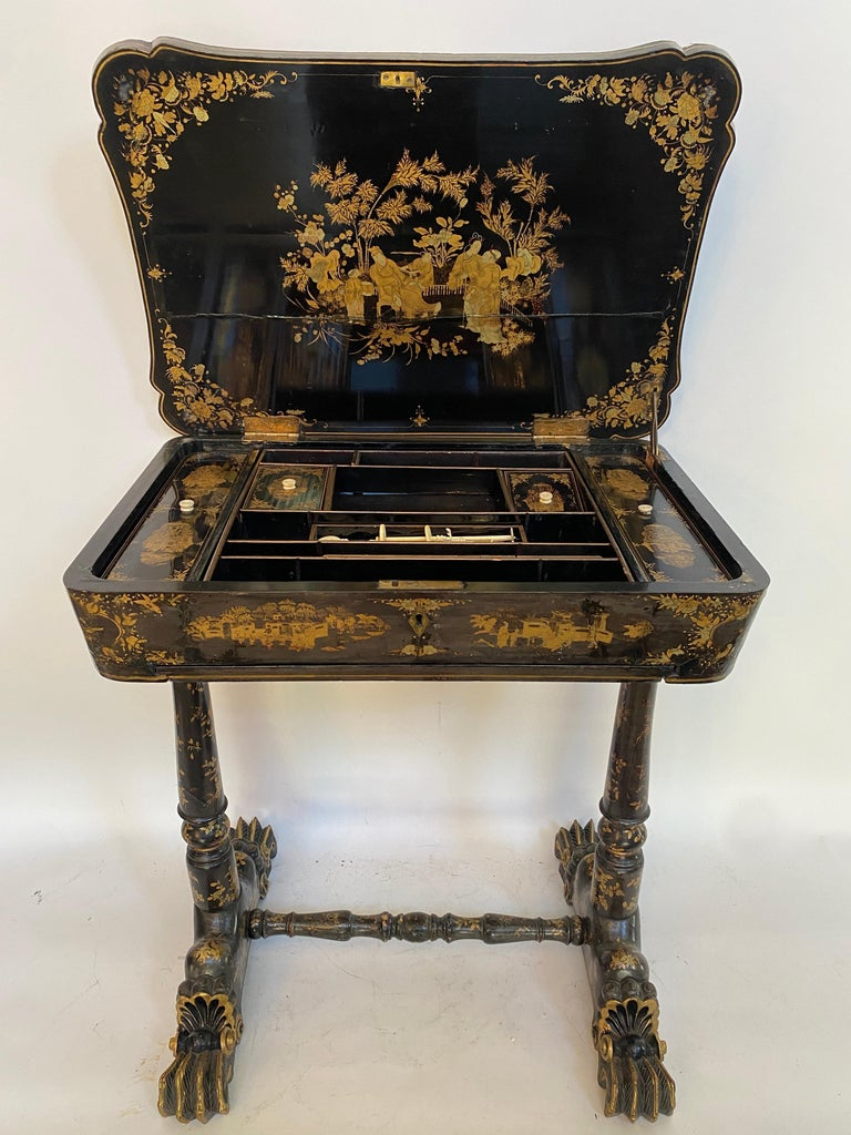 Early 19th Century Chinese Export Lacquer and Gilt Sew Working Table For Sale 1