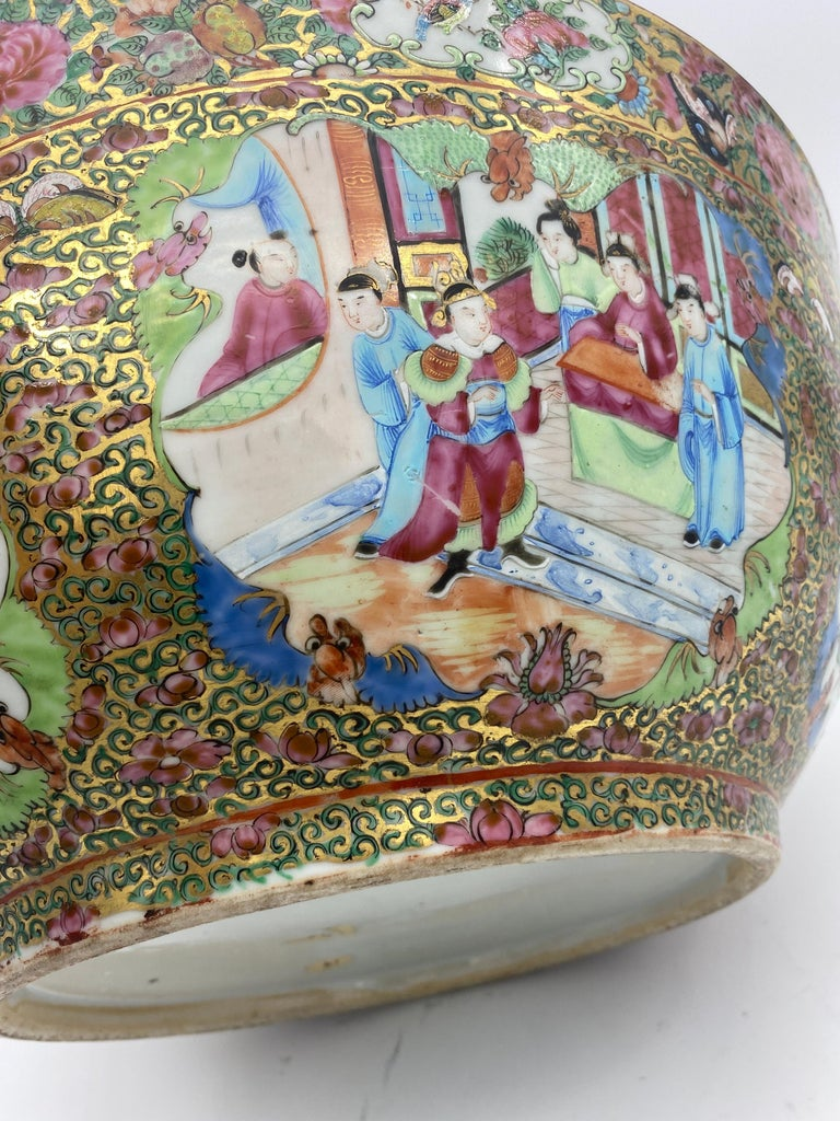 19th Century Chinese Famille Rose Porcelain Large Bowl For Sale 8
