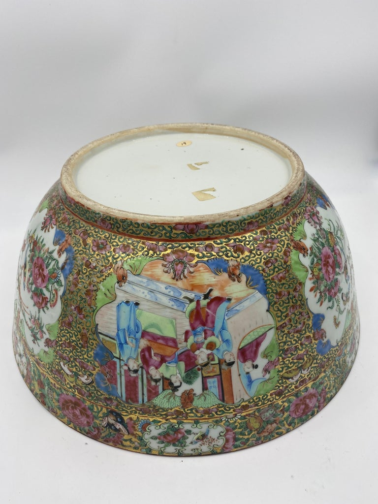 19th Century Chinese Famille Rose Porcelain Large Bowl For Sale 14