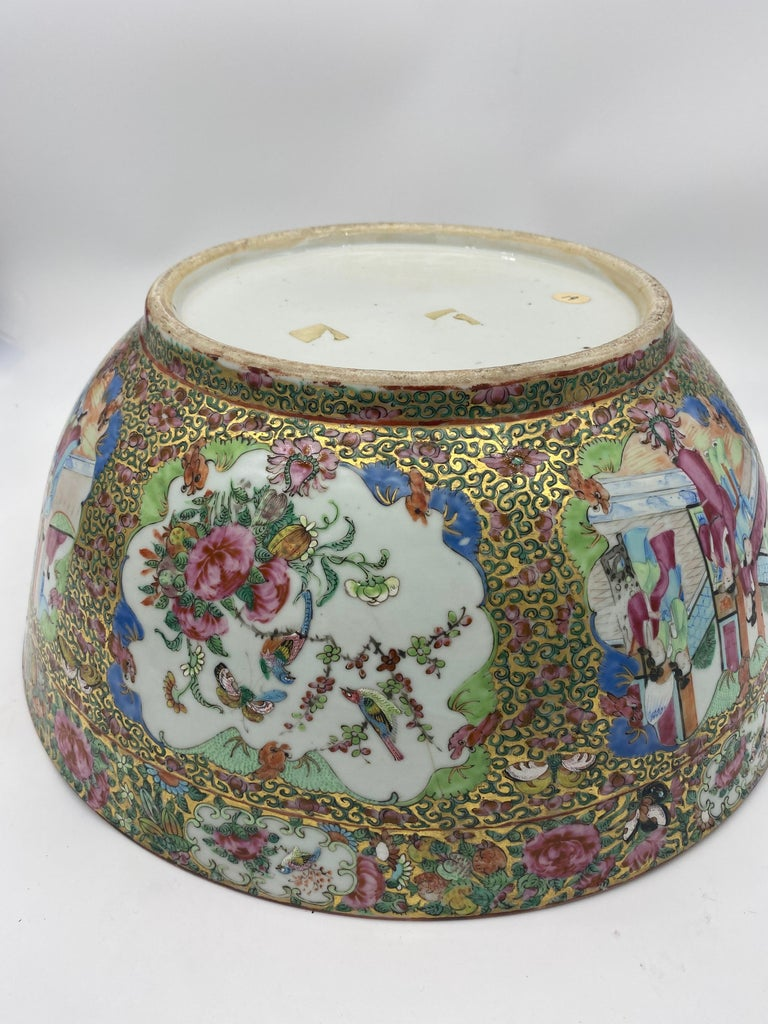 19th Century Chinese Famille Rose Porcelain Large Bowl For Sale 15