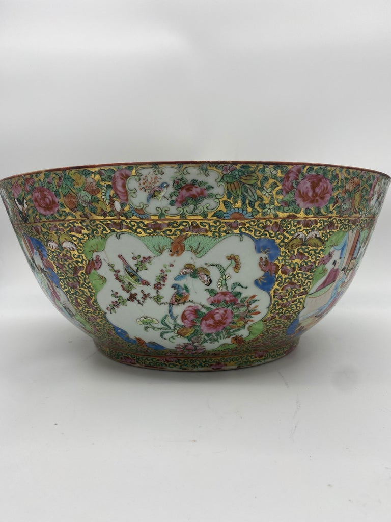 Qing 19th Century Chinese Famille Rose Porcelain Large Bowl For Sale