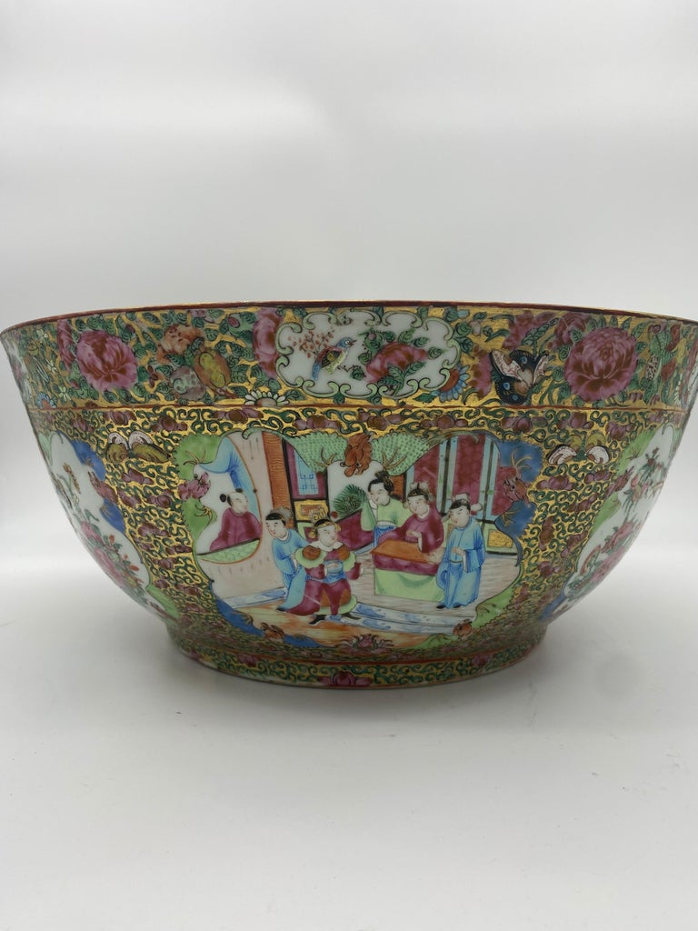 19th Century Chinese Famille Rose Porcelain Large Bowl In Good Condition For Sale In Brea, CA