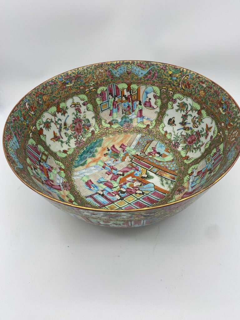 19th Century Chinese Famille Rose Porcelain Large Bowl For Sale 2