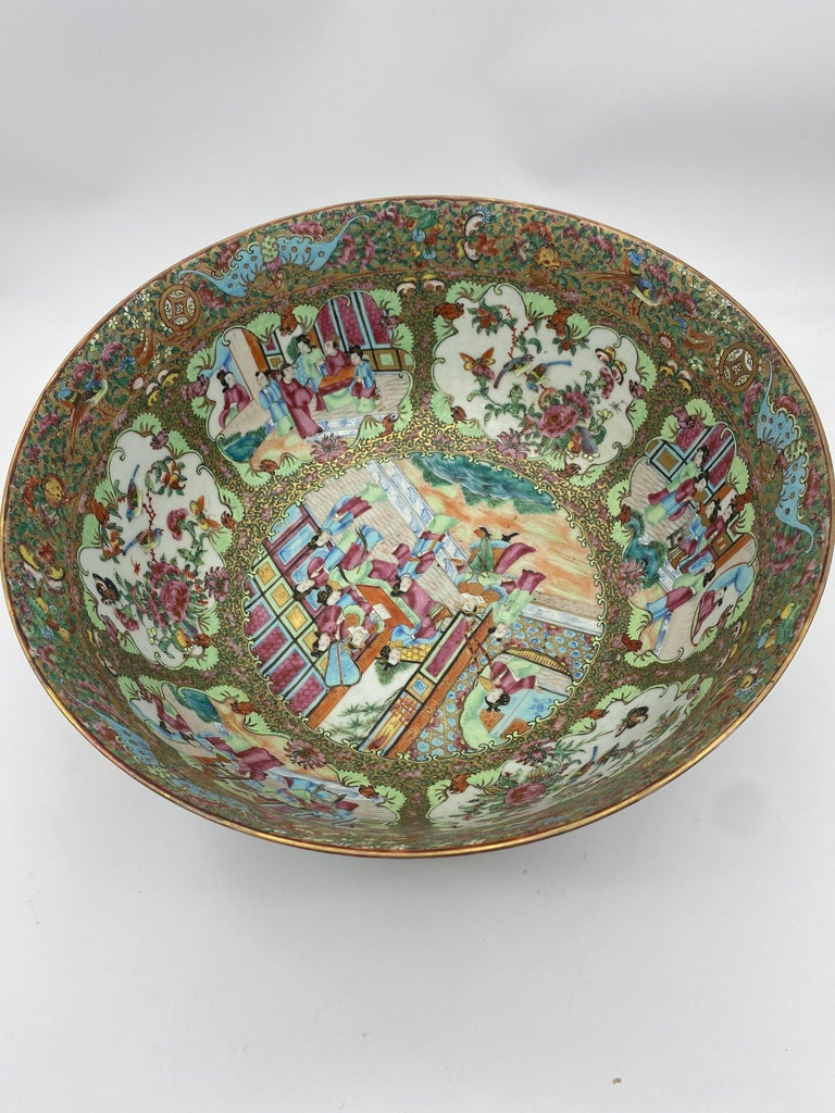 19th Century Chinese Famille Rose Porcelain Large Bowl For Sale 3