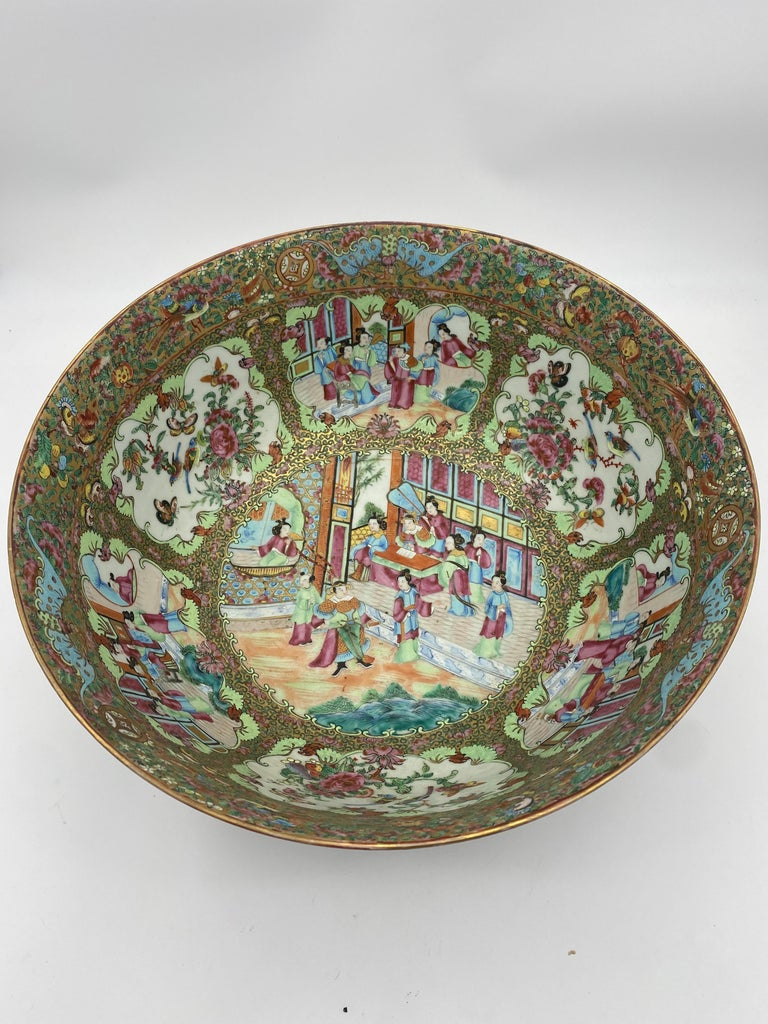19th Century Chinese Famille Rose Porcelain Large Bowl For Sale 4