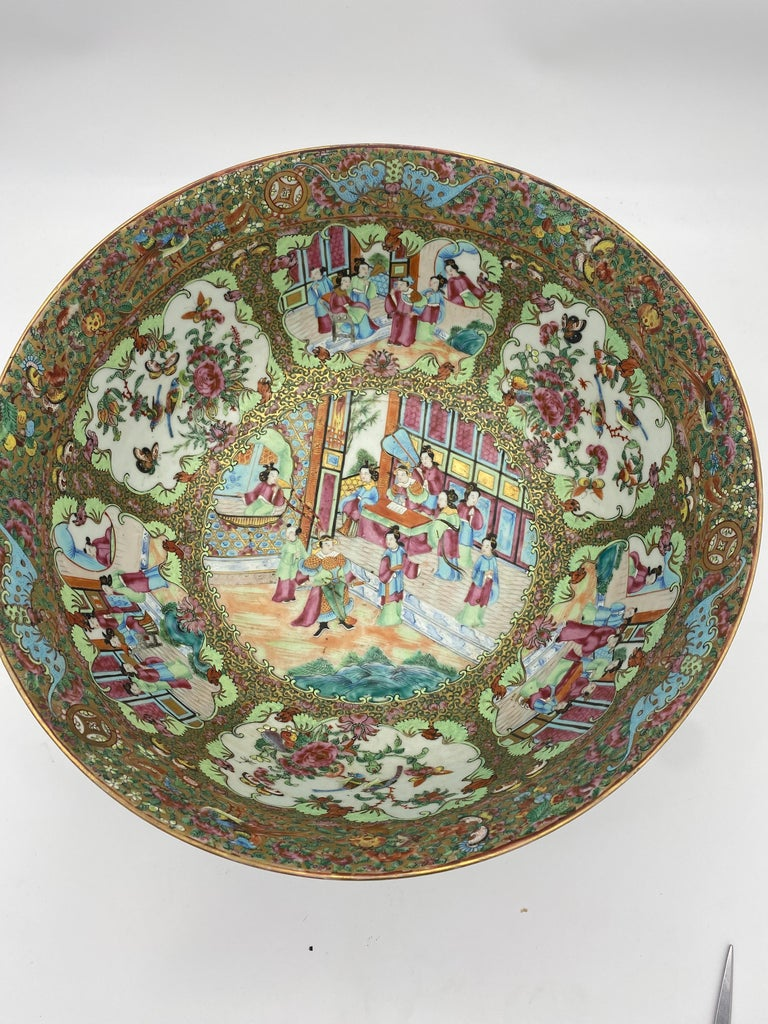 19th Century Chinese Famille Rose Porcelain Large Bowl For Sale 5