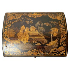 Early 19th Century Chinoiserie Wig Box in European/Japanese Lacquer