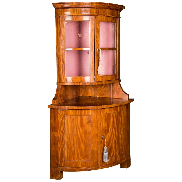 Early 19th Century Classic Biedermeier Corner Vitrine from South Germany For Sale