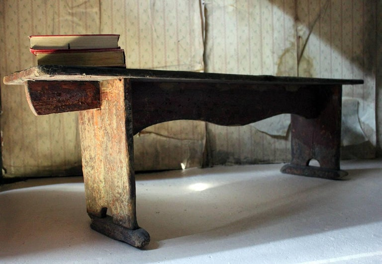 Early 19th Century Continental Painted Pine Bench, circa 1830-1840 For Sale 10