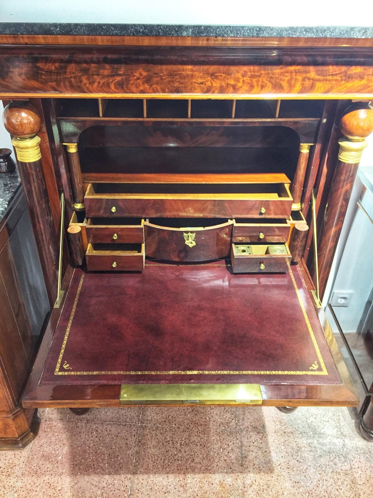 Early 19th Century Empire Flame Mahogany and Black Marble French Secretaire For Sale 9