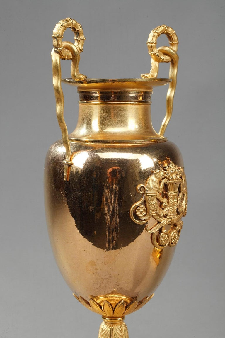 Early 19th Century Empire Gilt Bronze Krater Centerpiece Vases For Sale 7